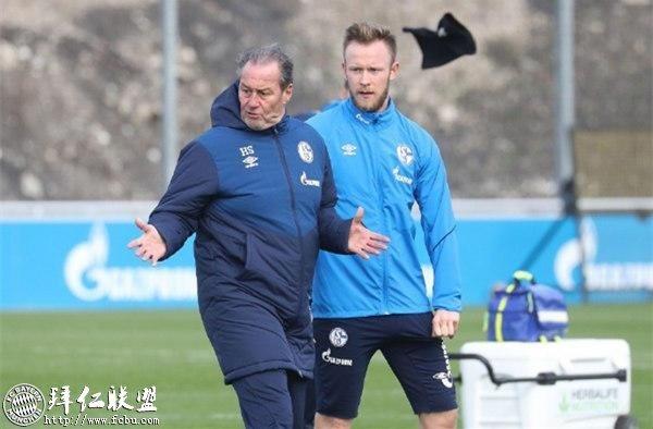 德甲一周回顾 拜仁内讧史 斯图加特保级艰难12